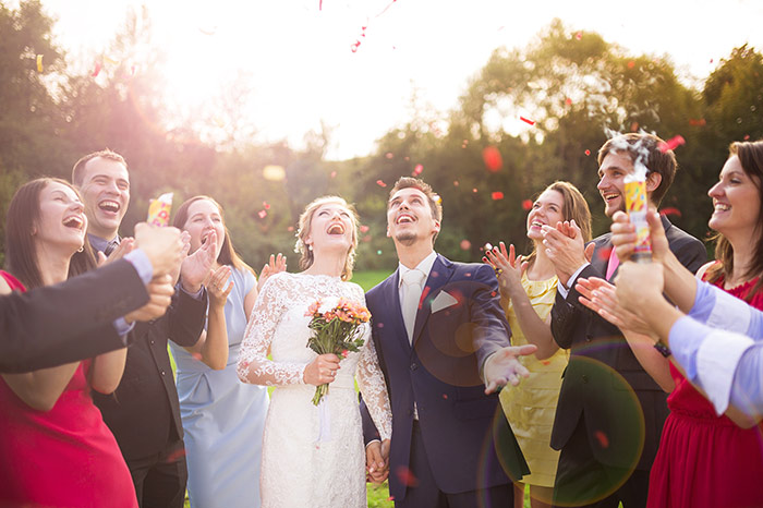 Wedding for $1000 - We want to help awesome couples have an amazing wedding on an affordable budget. Is that so hard? - weddingfor1000.com