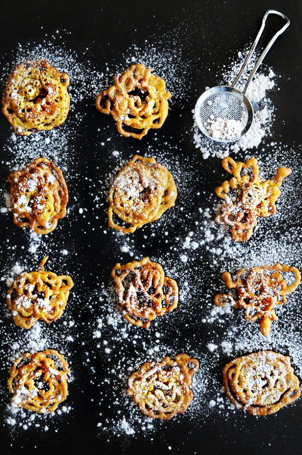 Pumpkin Funnel Cakes // Small Sweets for a Dessert Reception - weddingfor1000.com