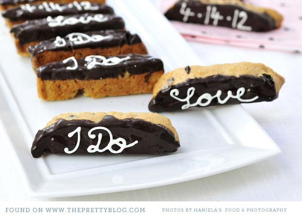 Chocolate-Dipped Biscotti // Small Sweets for a Dessert Reception - weddingfor1000.com