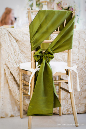 Adorable chair decoration ideas! - weddingfor1000.com.com side tie