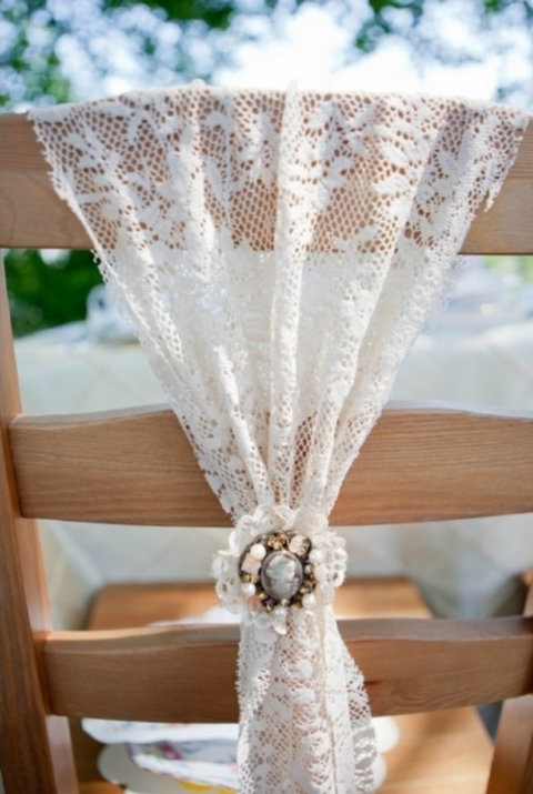 Adorable chair decoration ideas! - weddingfor1000.com brooch