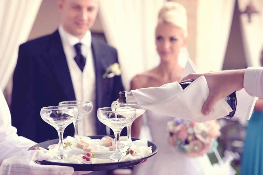 wedding toasts - who gives one? weddingfor1000.com