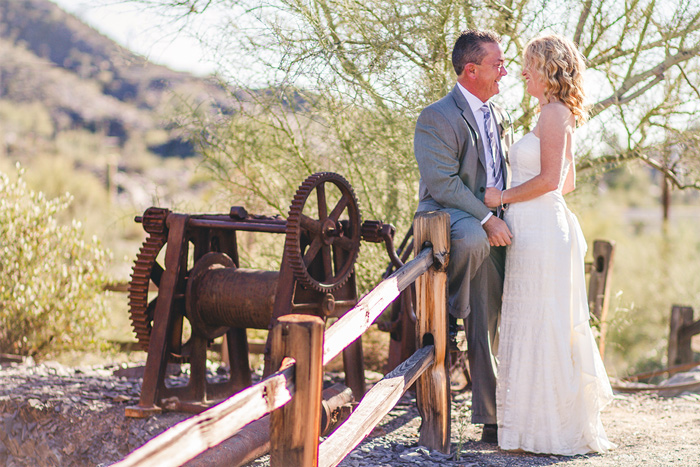 elope-to-the-wild-west-for-rustic-charm