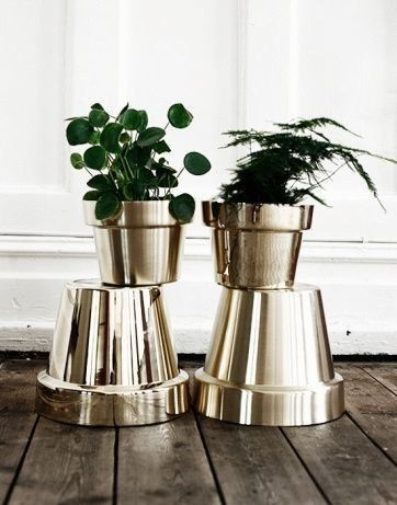 potted plants in gold weddingfor1000.com non-floral centerpieces