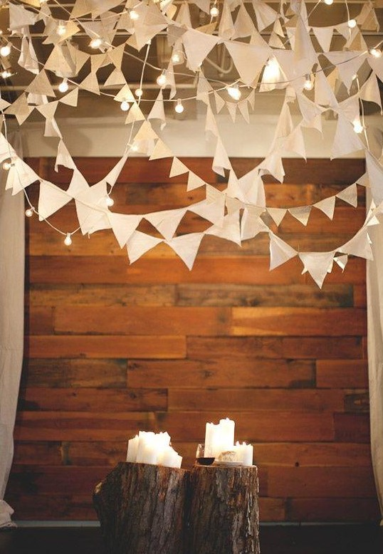 rustic bunting ceremony backdrop weddingfor1000.com