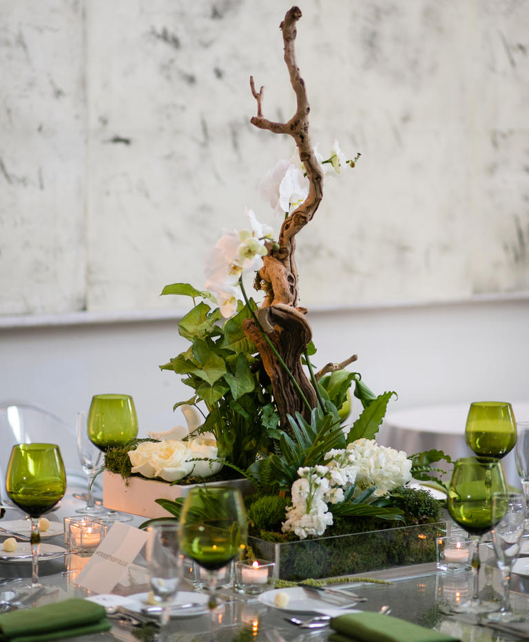 using greenery in your wedding
