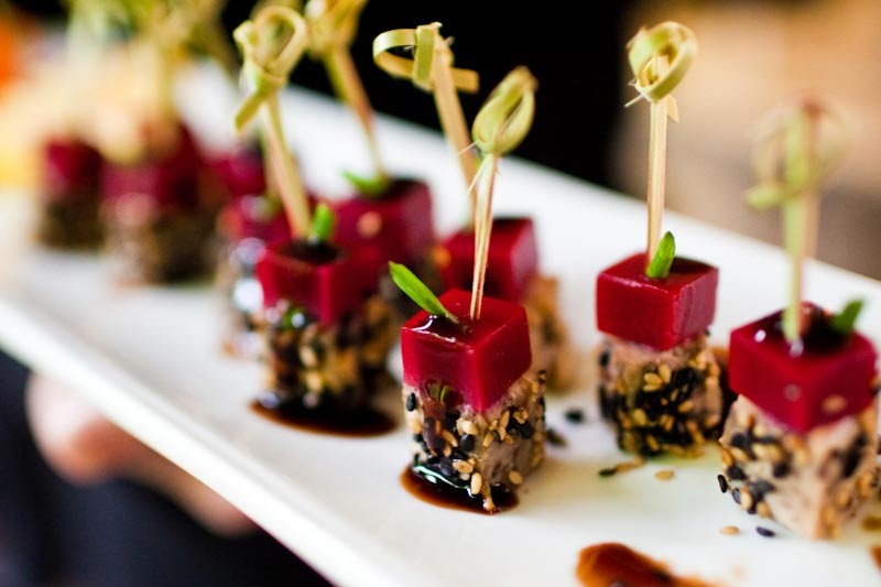 A quick guide to wedding catering for the cool kids - weddingfor1000.com