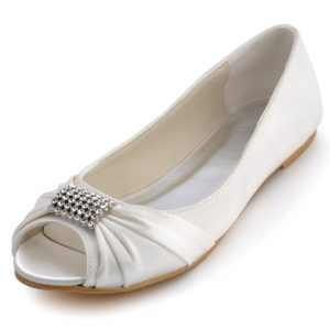 pretty and funky flats for sore feet - weddingfor1000.com