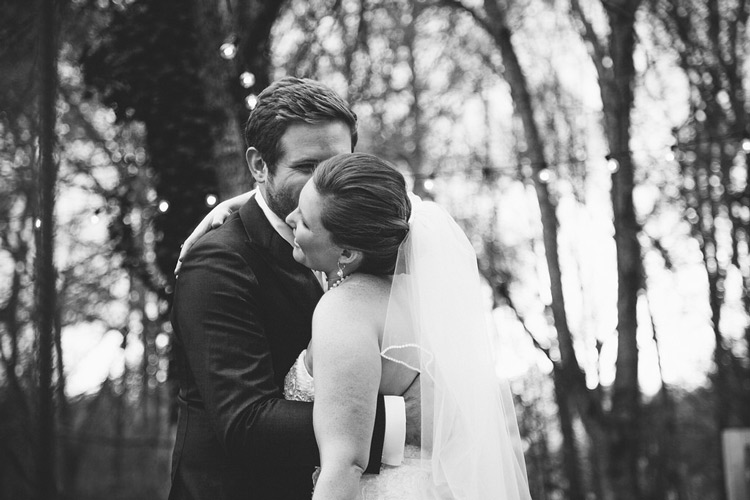 find the right wedding photographer - weddingfor1000.com
