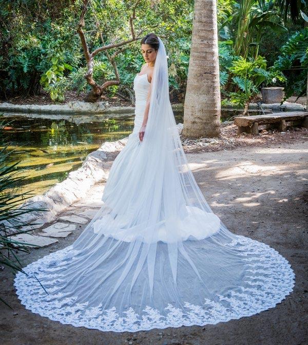 lovely, dramatic wedding veil looks - weddingfor1000.com
