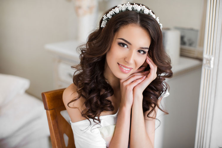 Bad-Ass Bronzer Tutorial For a Glowing Wedding Day Look - weddingfor1000.com