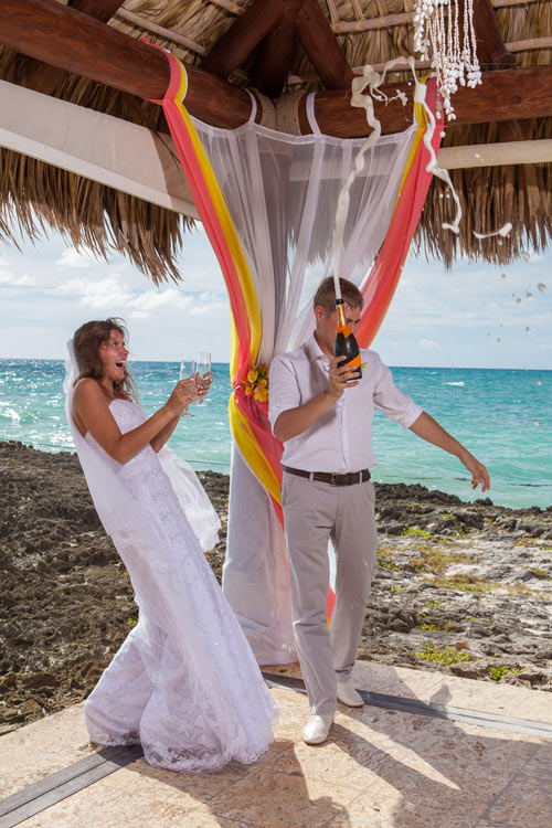 Budget Destination Wedding Ideas - weddingfor1000.com