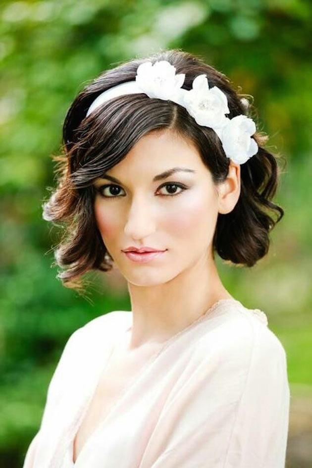 Romantic Short Wedding Hair Style