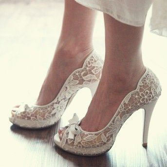 lace wedding pumps