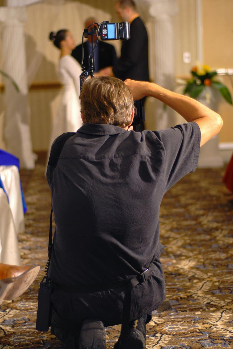 5 Ways to find great budget wedding photography - weddingfor1000.com